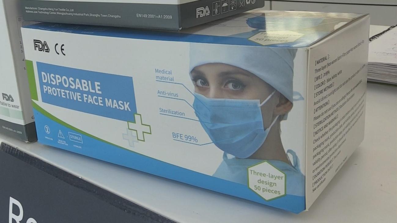 Las farmacias venderán a pérdidas desde este viernes el stock de mascarillas