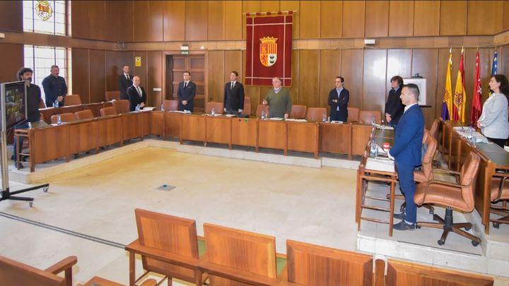 El alcalde de Torrejón presenta el 'Pacto Solidario' a la oposición