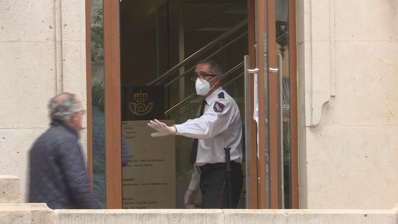 CCOO y UGT denuncian la incidencia de contagios en Correos y la compañía dice que están protegidos