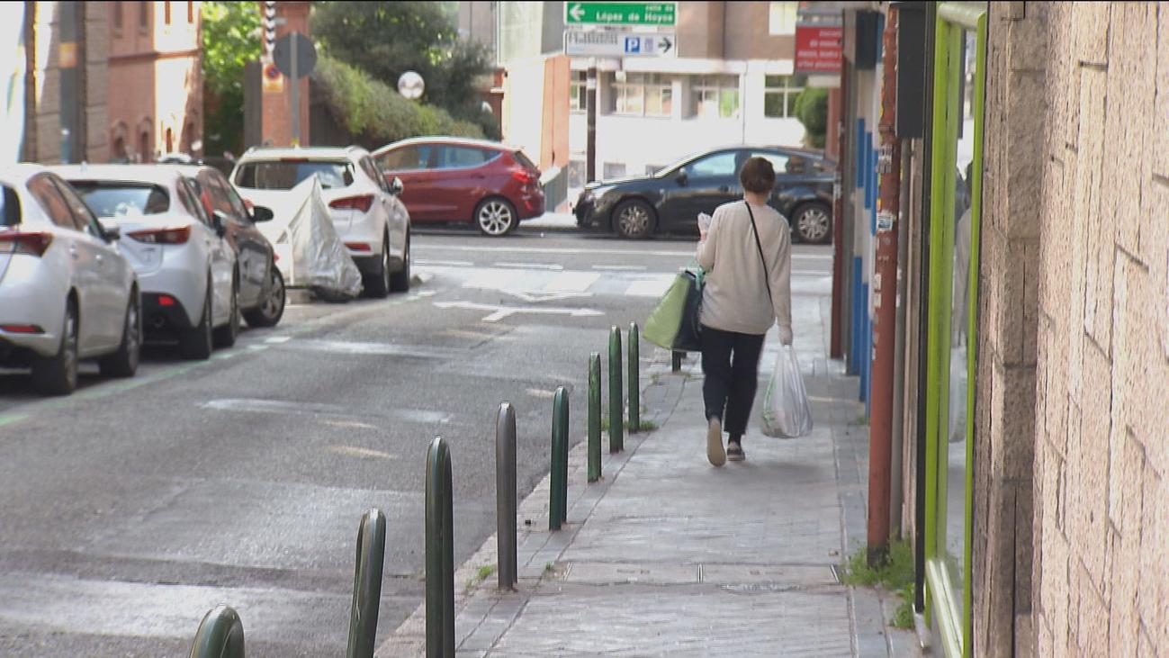 Los vecinos piden ampliación de aceras para respetar la distancia social