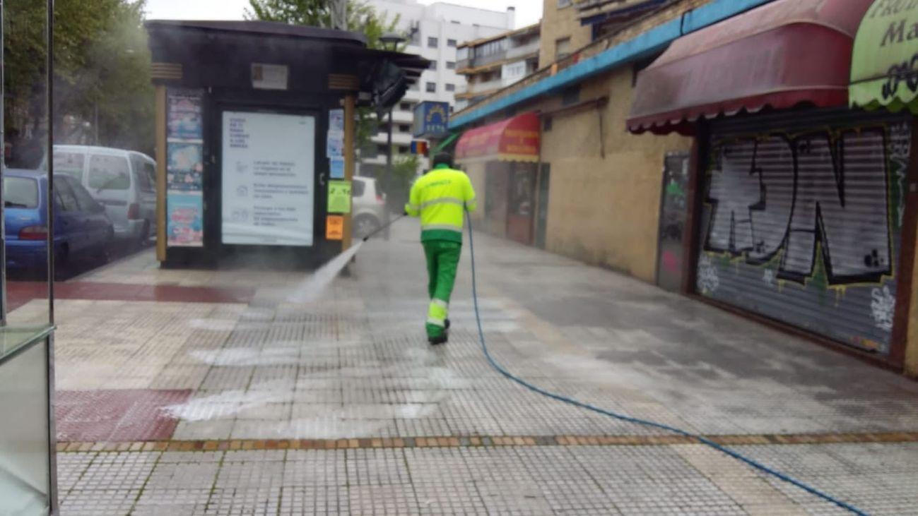 Limpieza de una calle de Móstoles