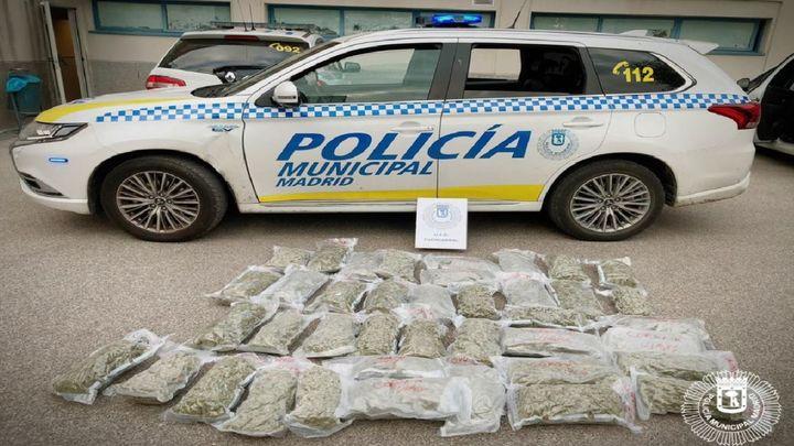 La Policía Municipal encuentra 21 kilos de marihuana en un contenedor de Las Tablas