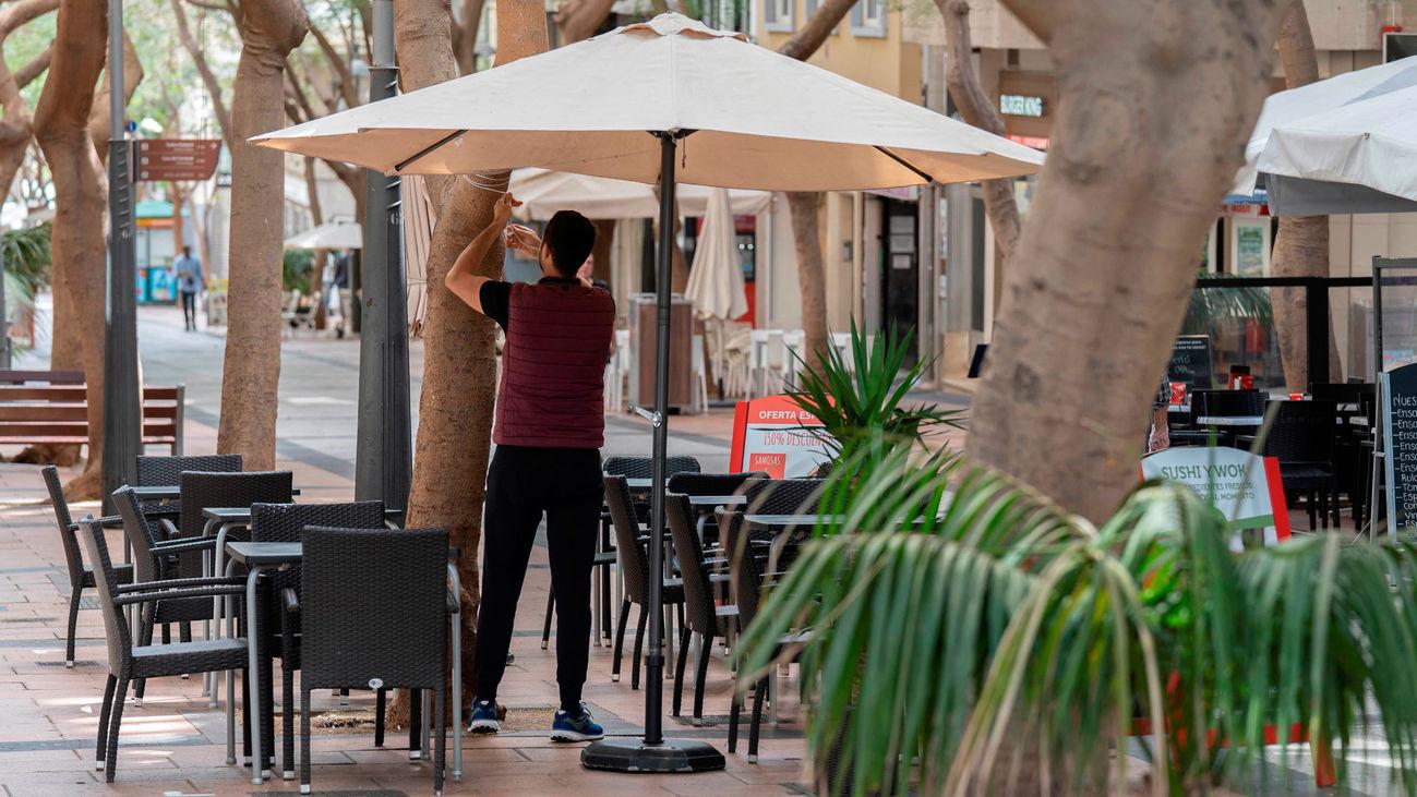 Los hosteleros creen que las terrazas podrían abrir entre el 10 y 25 de mayo