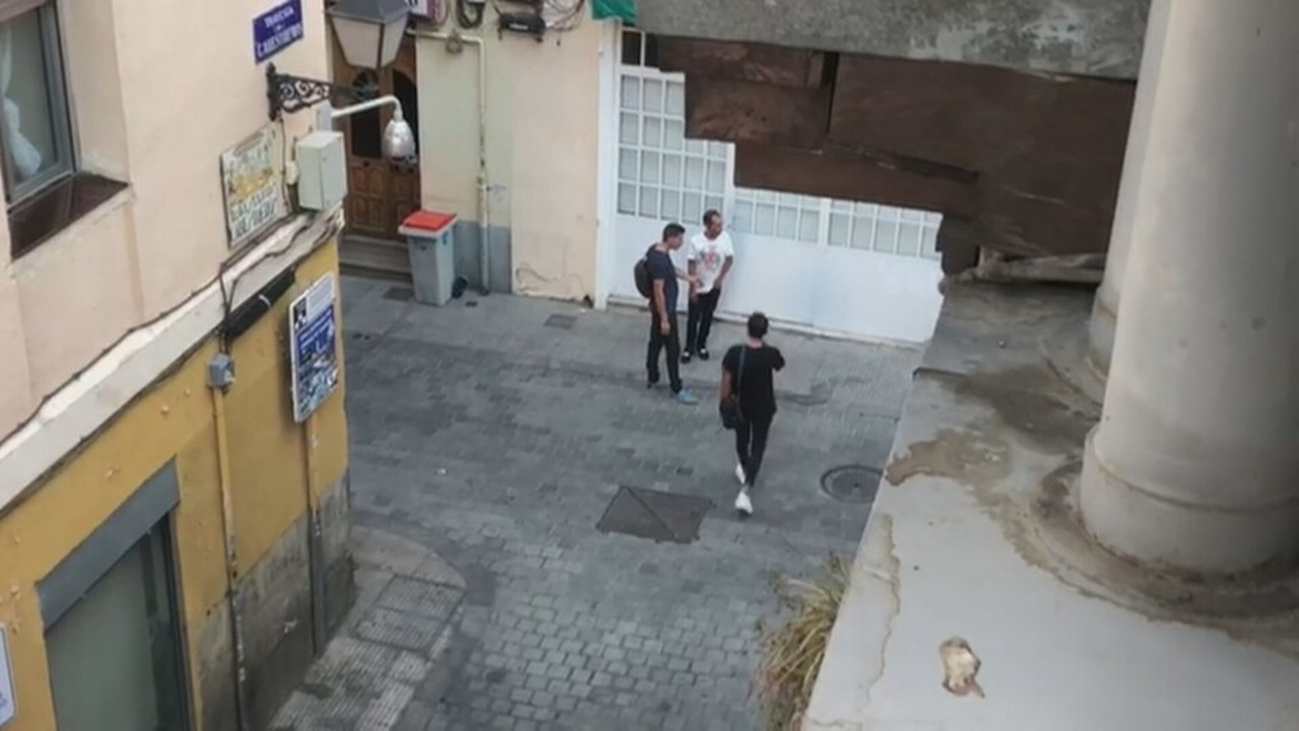 Vecinos del barrio de Laguna denuncian trapicheo de droga en la calle