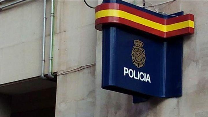 Dos jóvenes detenidos por agredir y robar a menores de edad en Usera