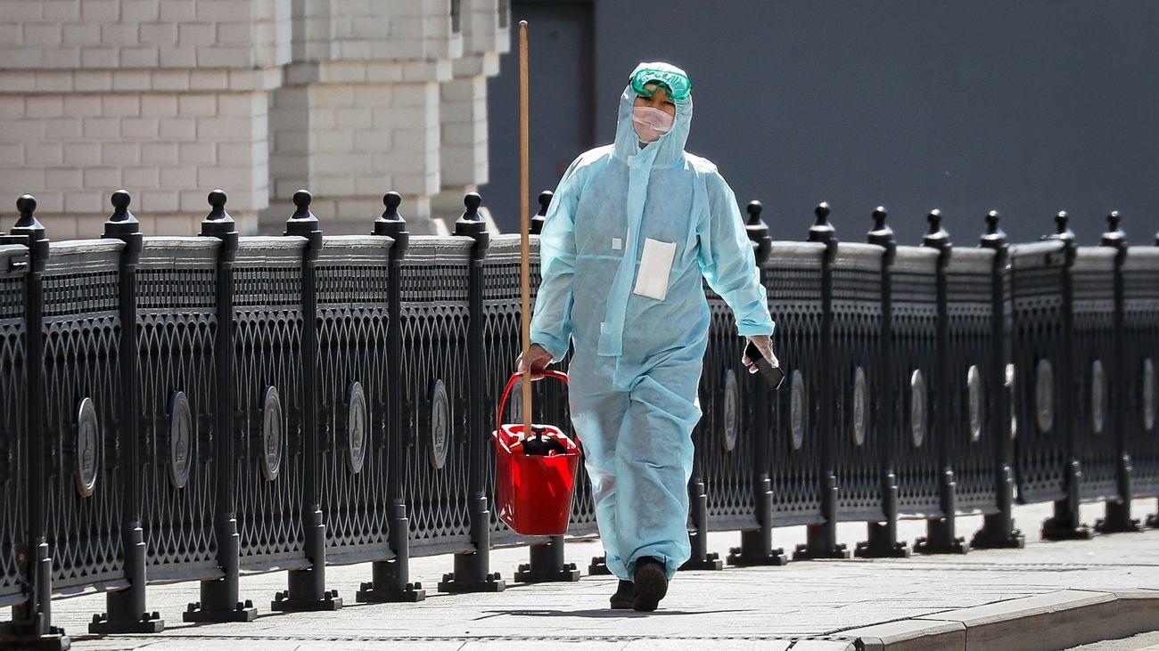 Los casos globales ascienden a 3,26 millones, sin indicios de ralentización