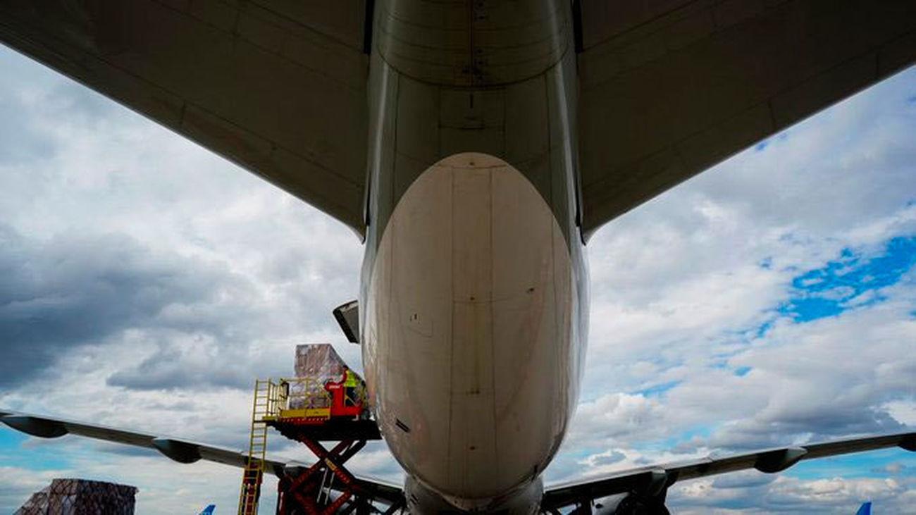 Madrid recibe un sexto avión con 56 toneladas de material sanitario
