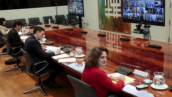Ayuso pide a Sánchez una 'mesa bilateral' para abordar la desescalada