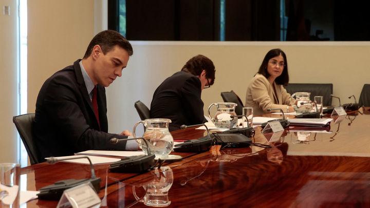 El Gobierno ofrece a las CCAA 6.000 millones a corto plazo y la 'cogorbenanza' de la desescalada