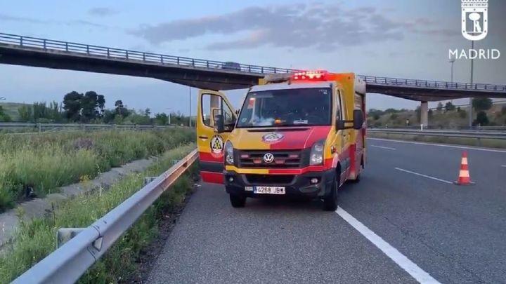 Herida grave una mujer de 30 años al ser atropellada por un camión en la M-50