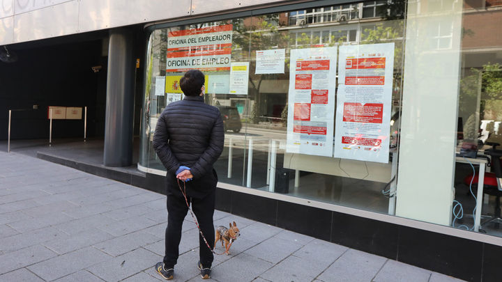 España pierde casi 950.000 empleos por el Covid-19, con 282.891 parados más en abril