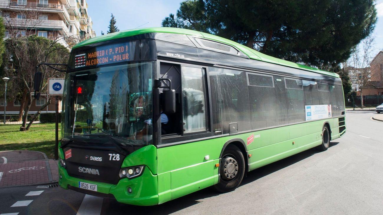 Autobús interurbano que une Madrid con Alcorcon