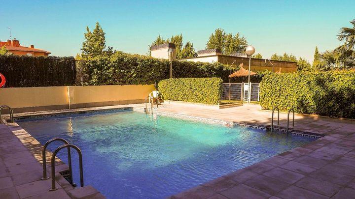 Empresarios madrileños de mantenimiento de piscinas piden al Gobierno que se pronuncie sobre este verano