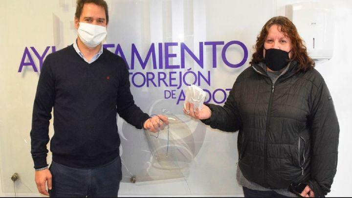 El Ayuntamiento de Torrejón aporta más material de protección a los comerciantes