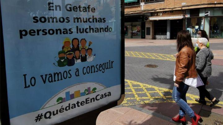 Getafe acompaña en sus paseos a 200 mayores vulnerables