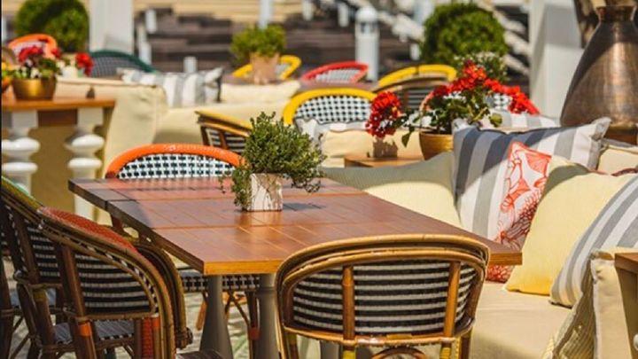 Las terrazas de Móstoles podrán ampliar su espacio, pero no el número de mesas