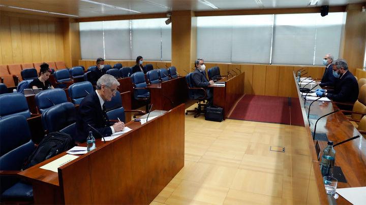 La Asamblea madrileña da luz verde a las comparecencias de Sánchez, Iglesias, Illa y Ayuso en la comisión de residencias