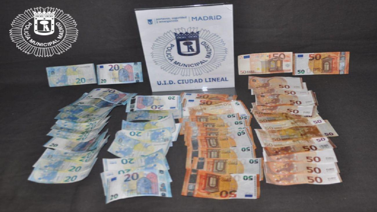 Detenidos dos jóvenes con más de 2.000 euros falsos en una furgoneta en Ciudad Lineal