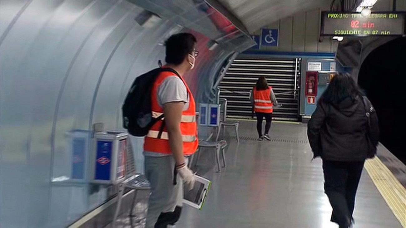 Control de aforo en el metro para evitar contagios del coronavirus