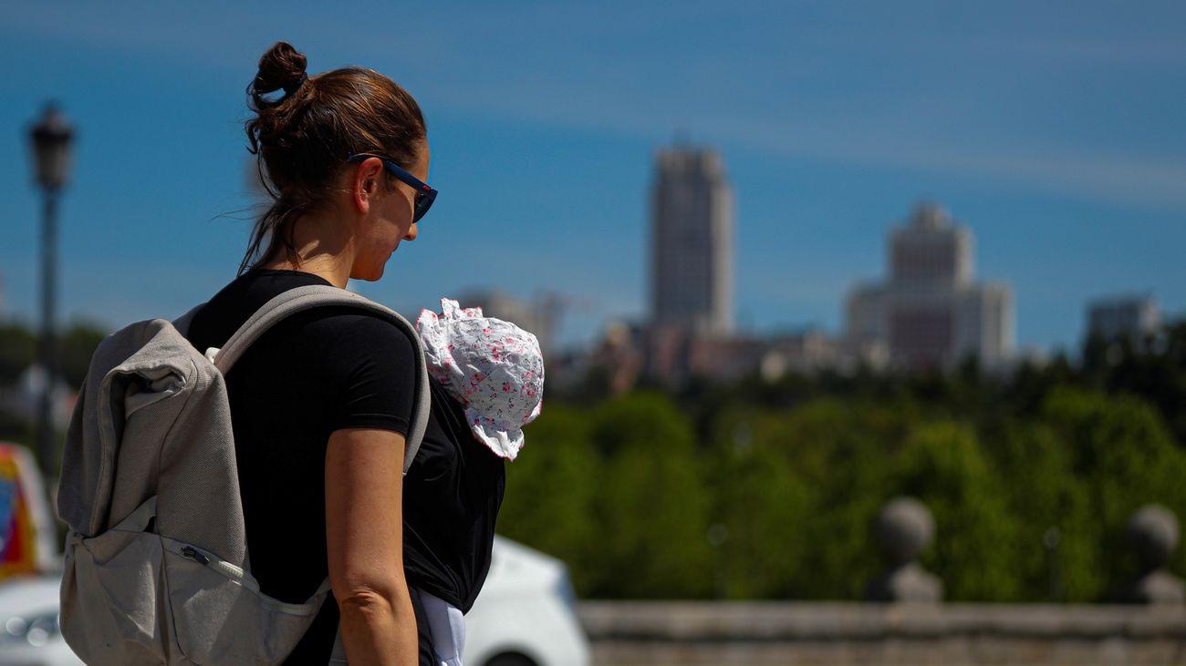 Los paseos desde este lunes en Madrid podrán ser realizados en grupo de hasta diez personas