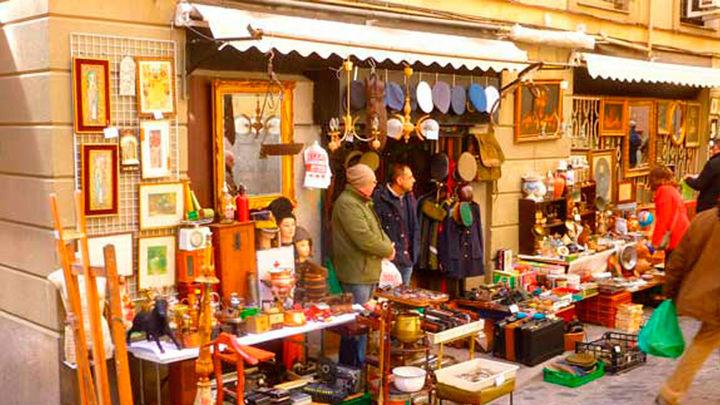 Madrid baraja la posibilidad de que las tiendas puedan vender sus mercancías en la calle