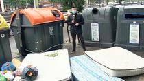 El misterio de los colchones abandonados en varias calles de Madrid