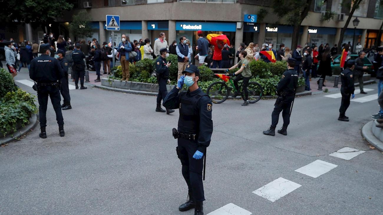 Quinta noche de caceroladas y protestas en el barrio de Salamanca