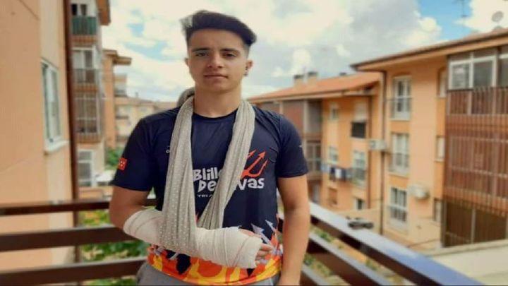 Sergio Muñoz, del Club de Triatlón Diablillos de Rivas, arrollado por un coche