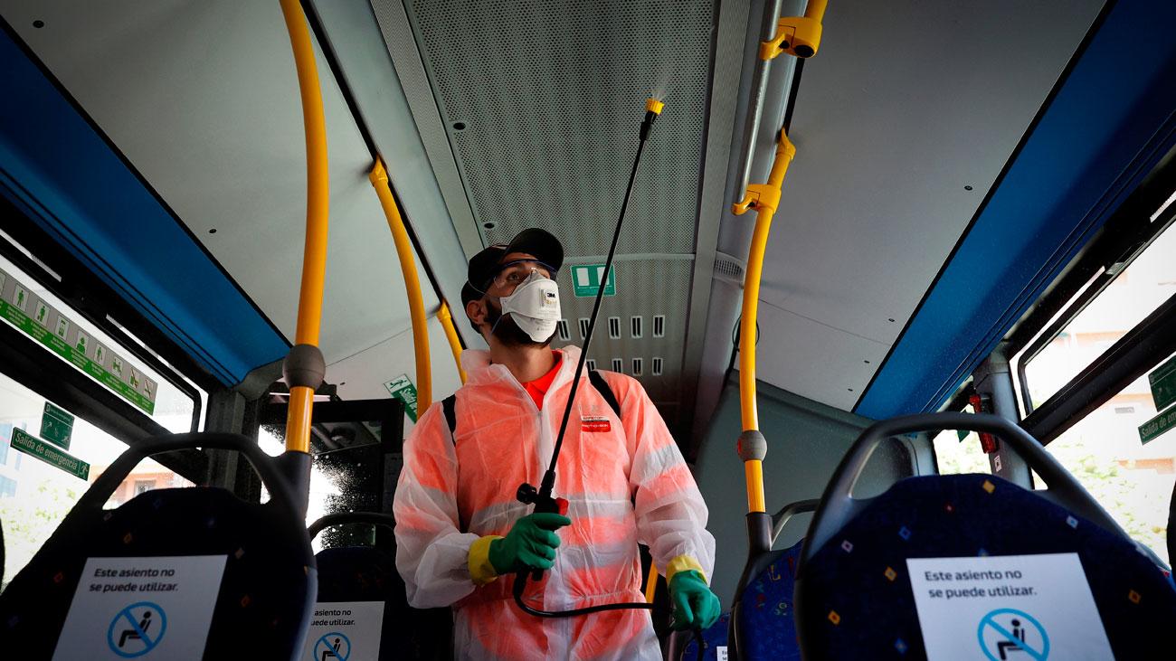 300 autobuses  urbanos e interurbanos dispondrán de geles, mamparas y purificadores de aire