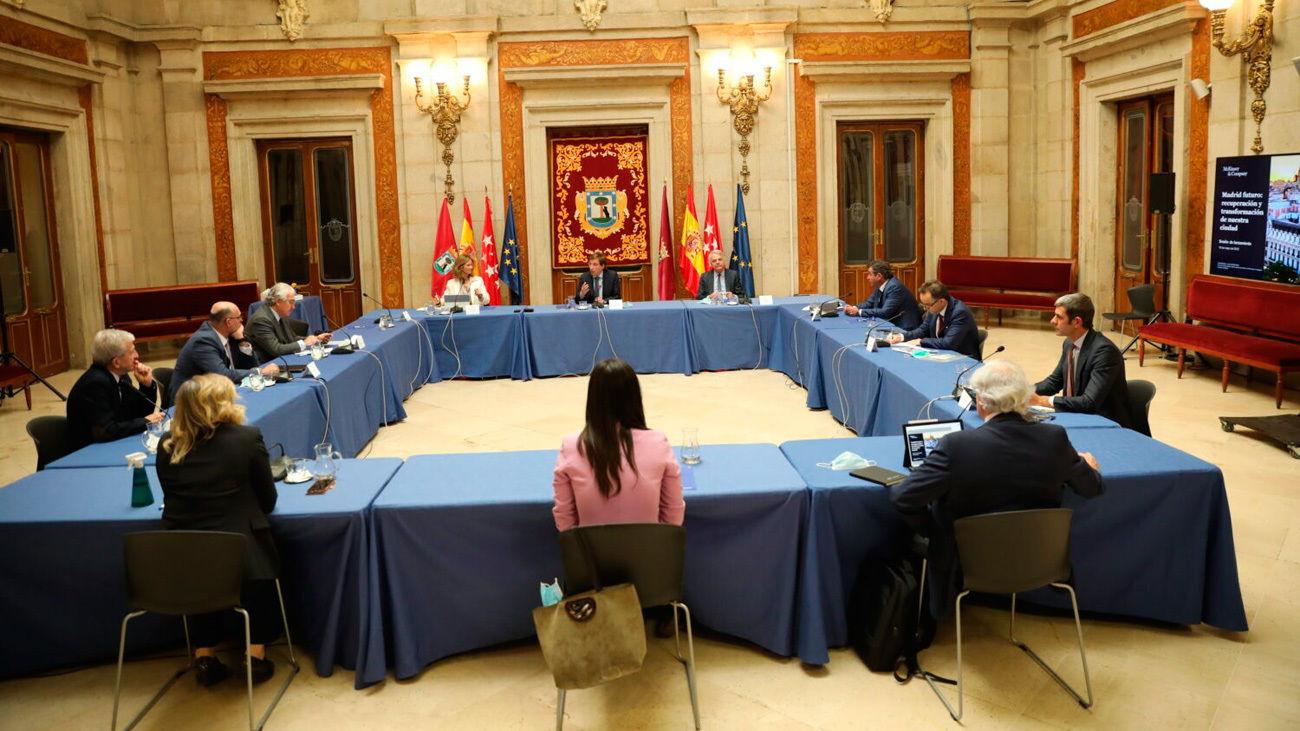 Almeida y Villacís se reúnen con el sector empresarial y apuestan por la creación de un grupo de trabajo