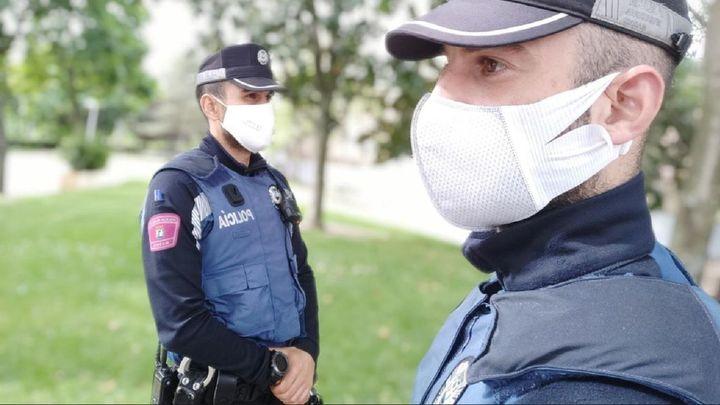 Cinco detenidos en Puente de Vallecas por saltarse el confinamiento y resistencia a la autoridad