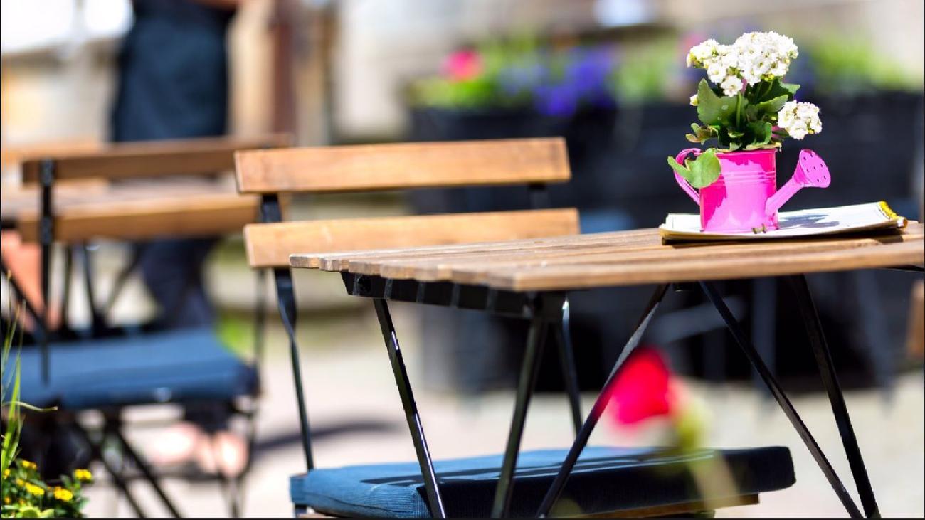 Los hosteleros madrileños confían en la ampliación de terrazas para salvar la temporada