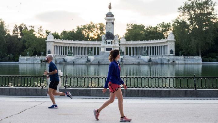 Madrid reabre El Retiro y sus parques históricos tras  su cierre por la alerta de viento