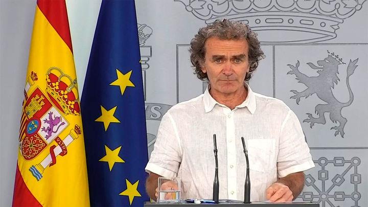 """Sanidad registra 132 nuevos contagios en España y """"reduce"""" en 1.918 los muertos desde ayer"""