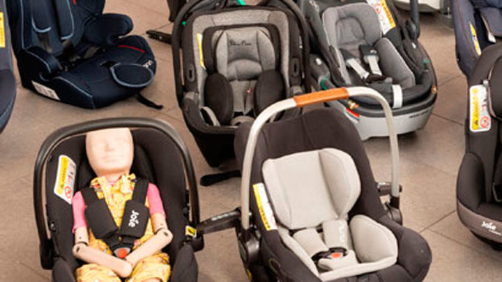 Dos modelos de sillitas infantiles para coches no pasan el nivel mínimo de calidad