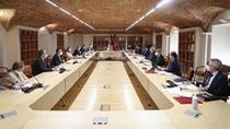 Madrid acuerda un plan de reactivación económica que abre una nueva etapa y el diálogo con la oposición
