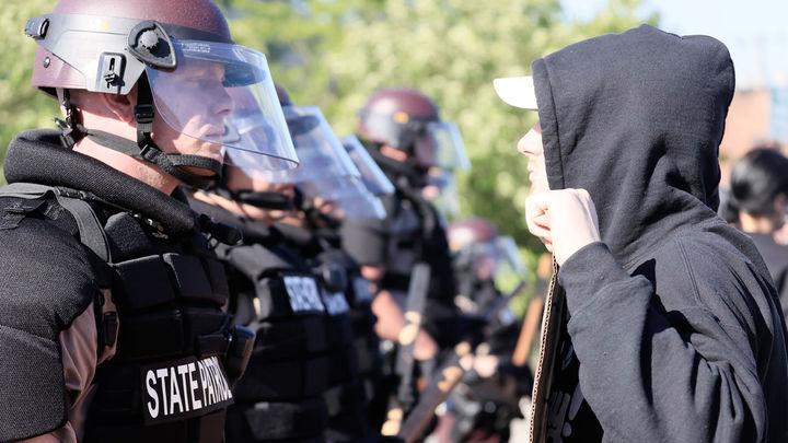 Los disturbios raciales de Mineápolis se extienden a otras ciudades y llegan a la Casa Blanca