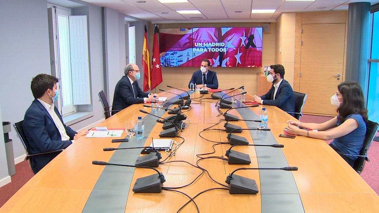 Reunión de Aguados con losos  portavoces de PSOE,Ciudadanos, Unidad Podemos y Más Madrid