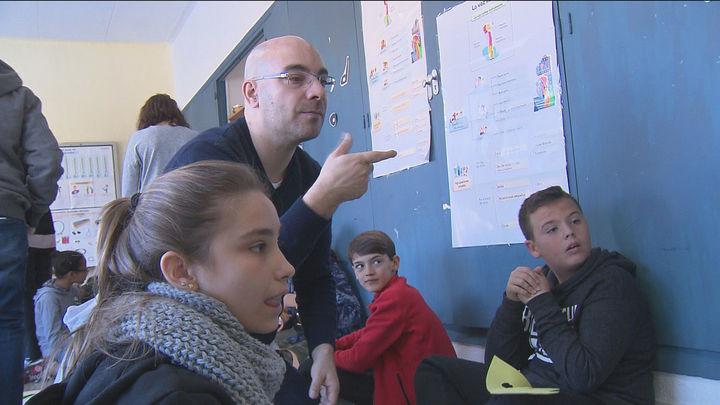Los niños sordos de Madrid en infantil y primaria, sin intérpretes durante el confinamiento