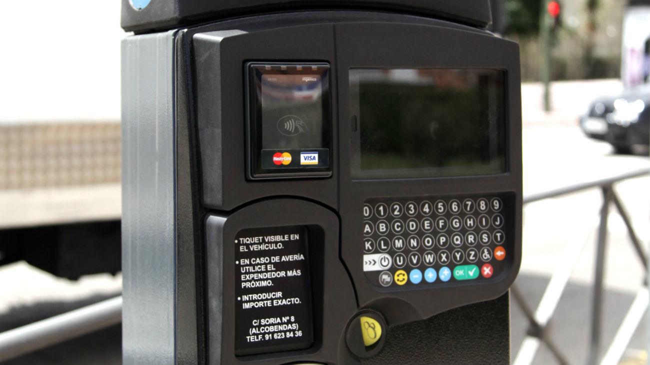 Vuelve el pago en los parquímetros de la zona SER con plazas gratis para sanitarios