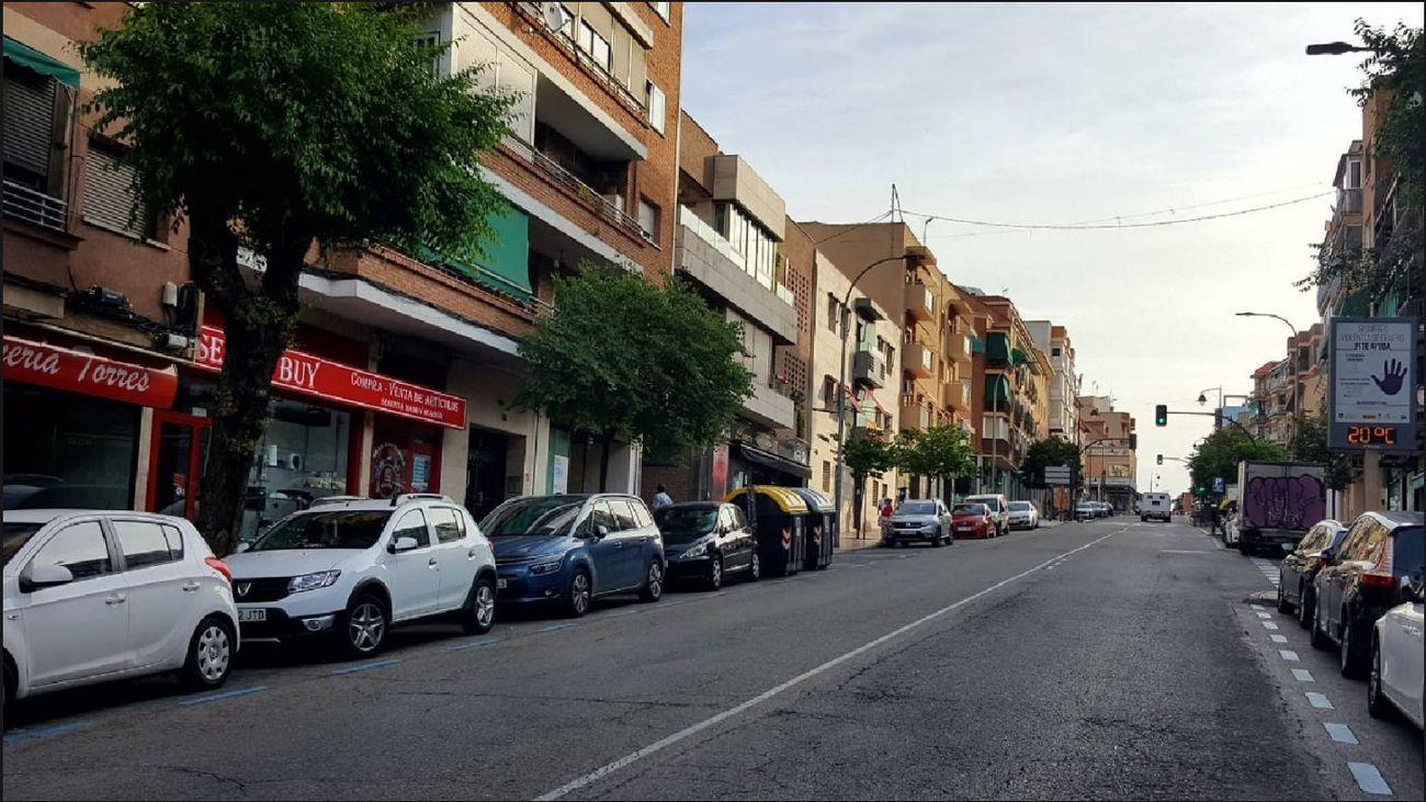 Coches aparcados en una calle de San Sebastián de los Reyes