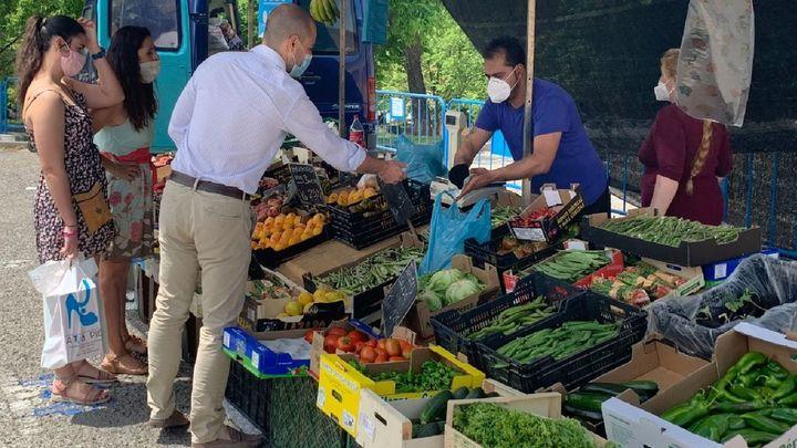 El mercadillo municipal de Majadahonda reabre con un 25% de los puestos