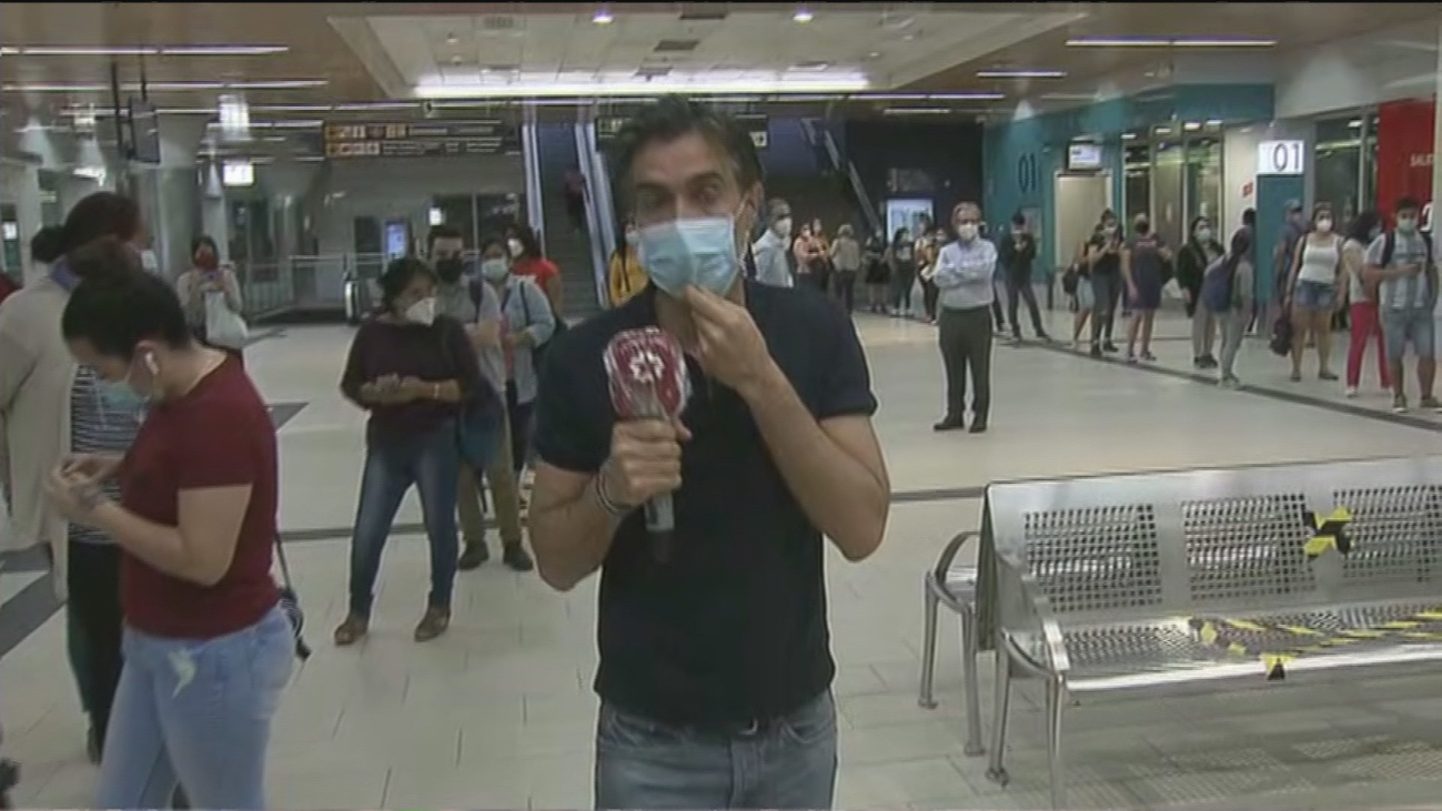 Quejas de los viajeros por las largas colas en el intercambiador de Moncloa