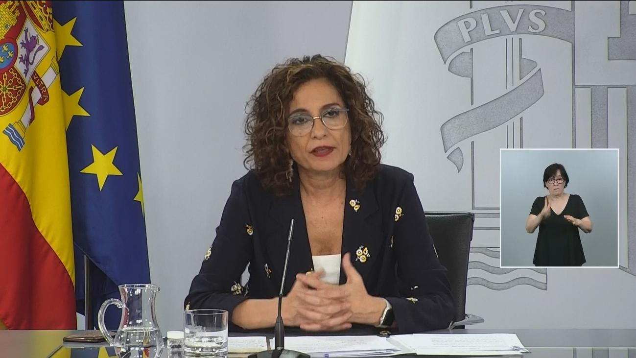 """Montero defiende el nombramiento de Carnicero: """"La derecha está en permanente ruido"""""""