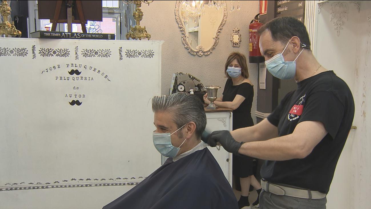 Cuatro de cada diez peluquerías ya se plantean el cierre definitivo