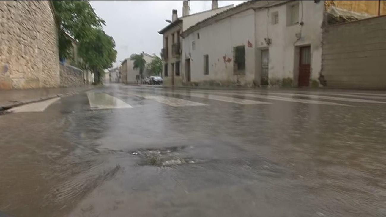 Alerta amarilla por lluvias en la capital y en la sierra