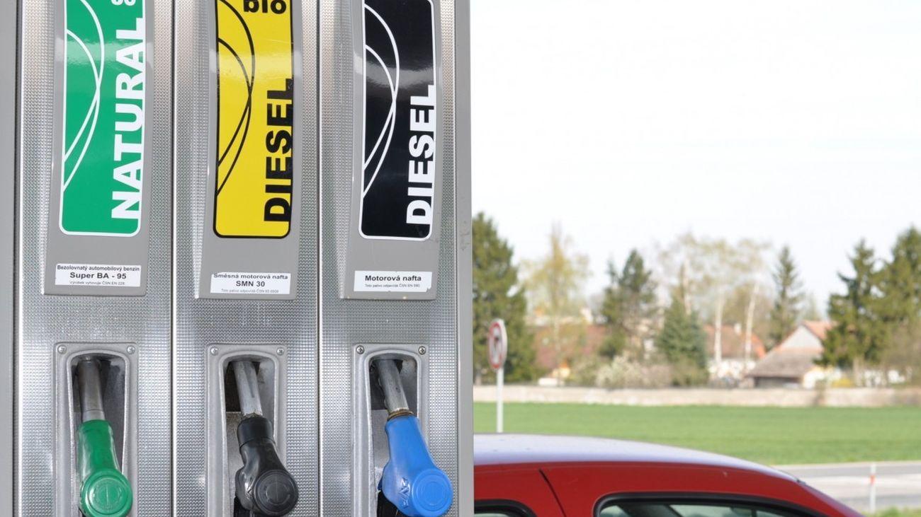 Bolsa de empleo para trabajar en gasolineras y puertos de  una importante compañía petrolífera