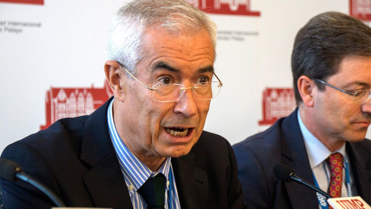 Emilio Bouza, experto en microbiología