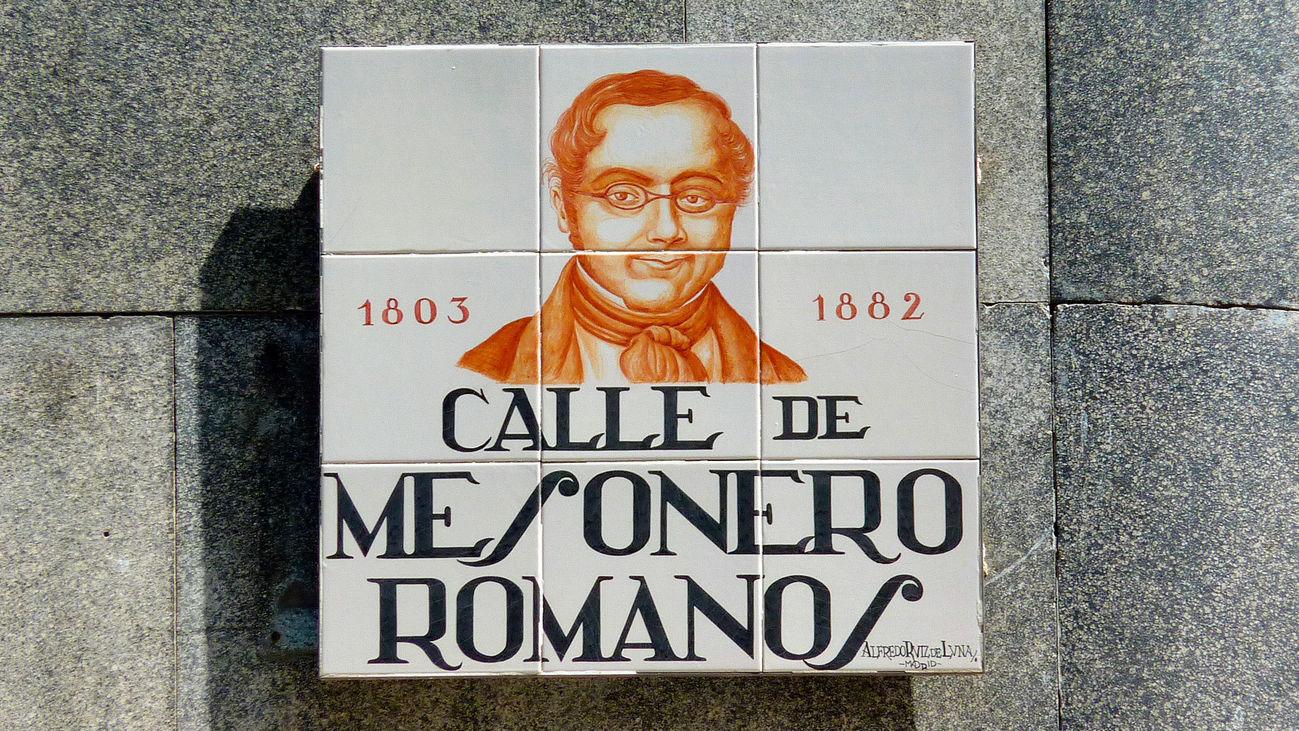 Placa de la calle de Mesoneros Romanos en Madrid