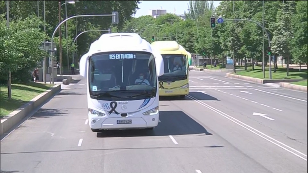 Las empresas de autobuses recorren Madrid para pedir un plan de rescate urgente